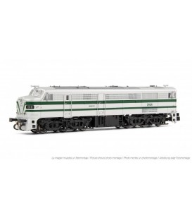 Locomotora diésel 1818 RENFE, plata y verde. Ref: HN2249. ARNOLD. N